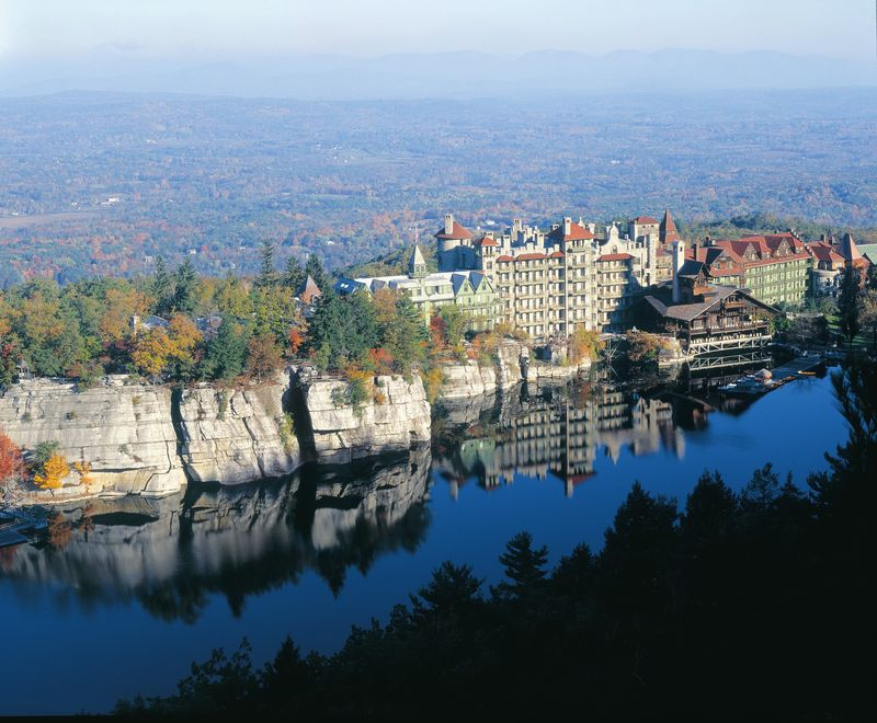 Hi-Res_Mohonk_Mountain_House
