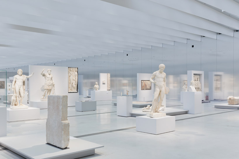 Gallery in Louvre-Lens