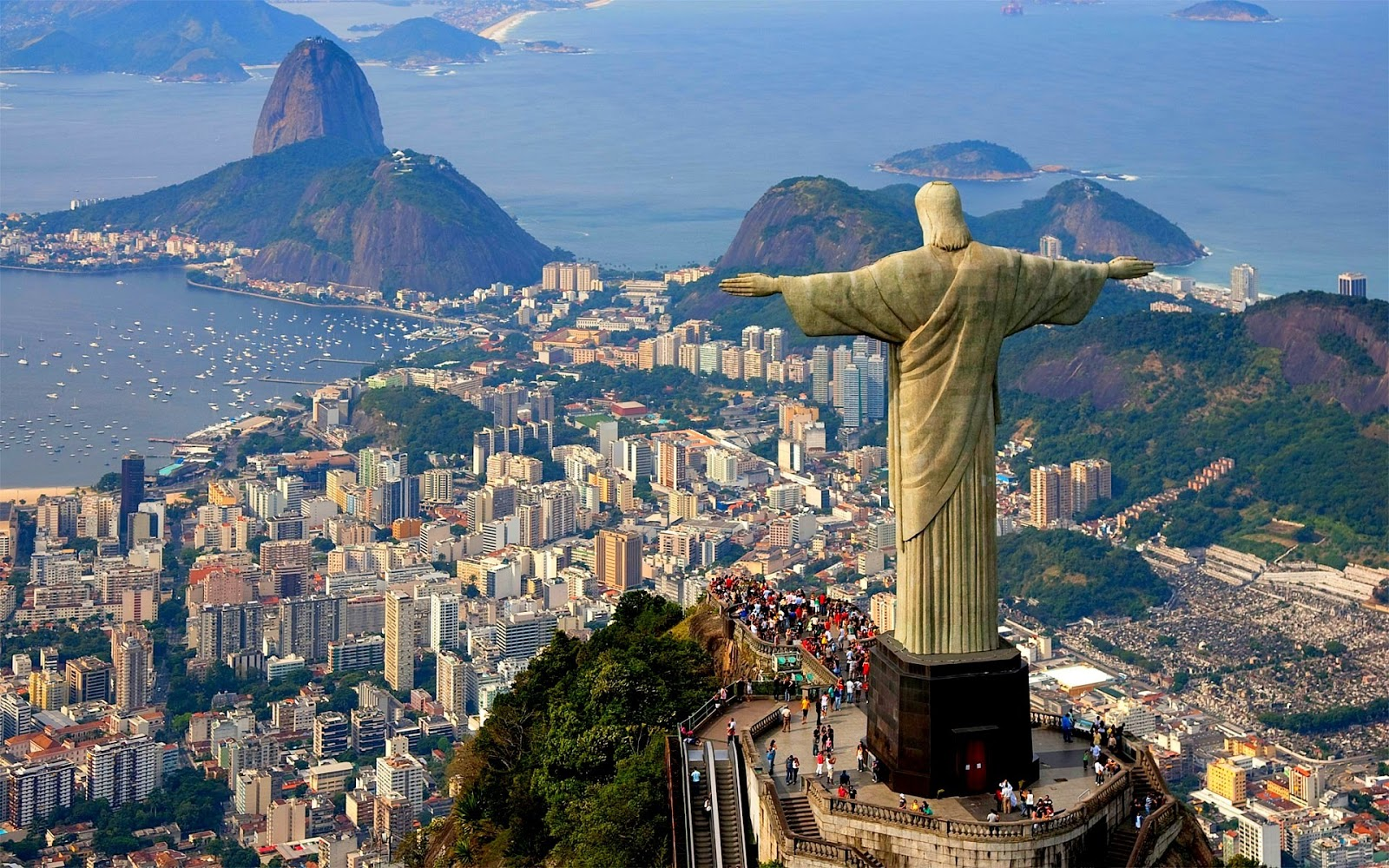 Rio de Janeiro, one of the cities on sale with TAM and LAN this summer.