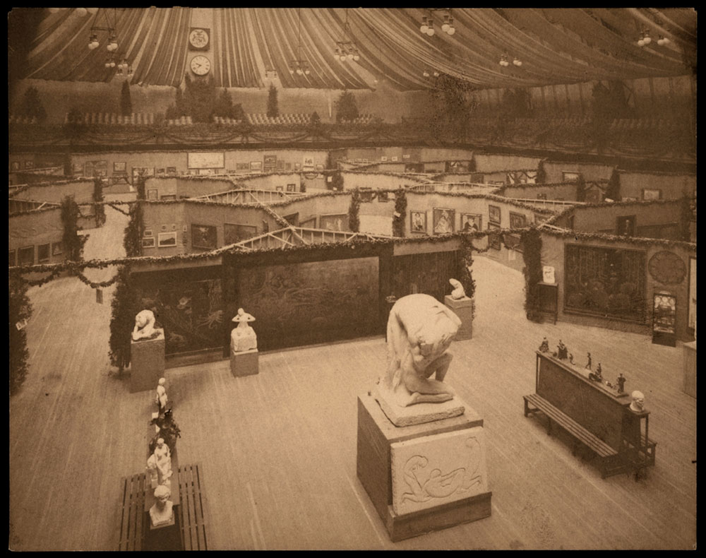 Overhead view of Armory installation, 1913. Walt Kuhn, Kuhn family papers, and Armory Show records, Archives of American Art, Smithsonian Institution