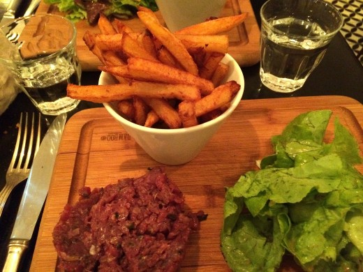 Steak tartare at Le Bon Georges, Paris