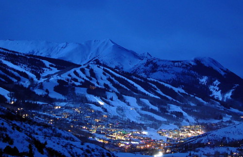 Snowmass-Ski-Area-Night