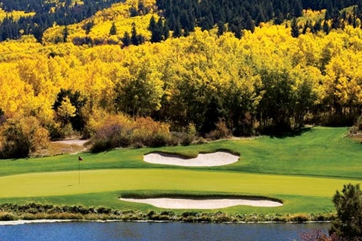 A view of the 17th hole on Tom Fazio's course at Red Sky.