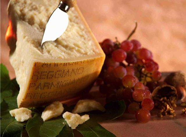 P-R Wedge w Grapes