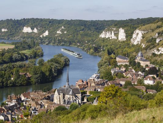 "Scenic Cruises ""Scenic Gem"" on the River Seine in France. (Photo: Miquel Gonzalez, Scenic Cruises)"