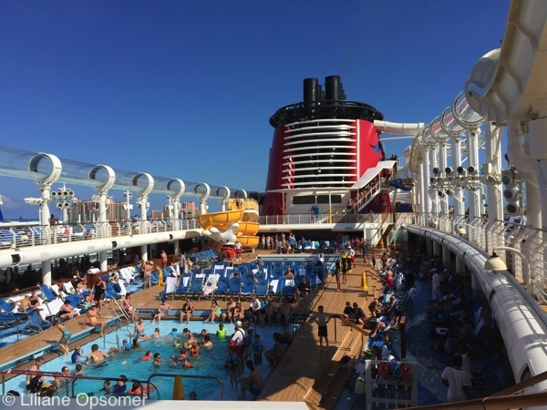Family pool day Disney Dream