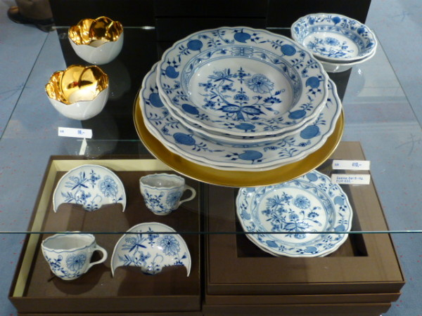 Porcelain in the famous Onion pattern sold at the MEISSEN Manufactory PHOTO Monique Burns